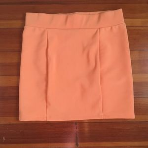 Stretchy mini skirt